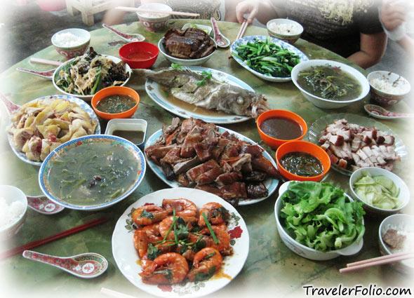 chinese-reunion-dinner-lantern-festival