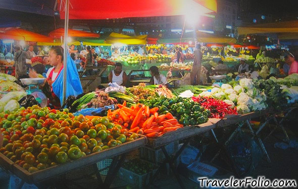 filipino-night-market-vegetable-stall