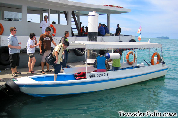 island-hopping-speed-boat