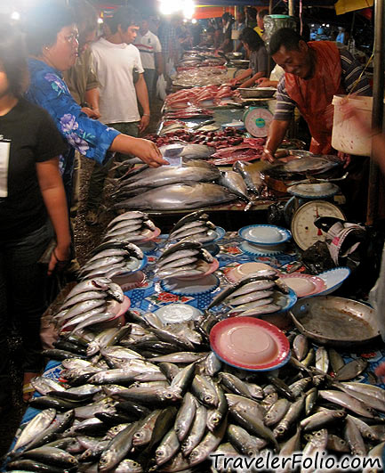 night-market-fish-stall