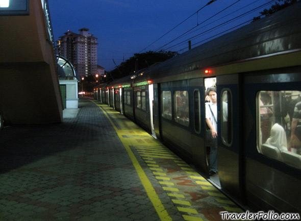 Kl ktm train travelerfolio travel lifestyle blog - Vietnam airlines kuala lumpur office ...