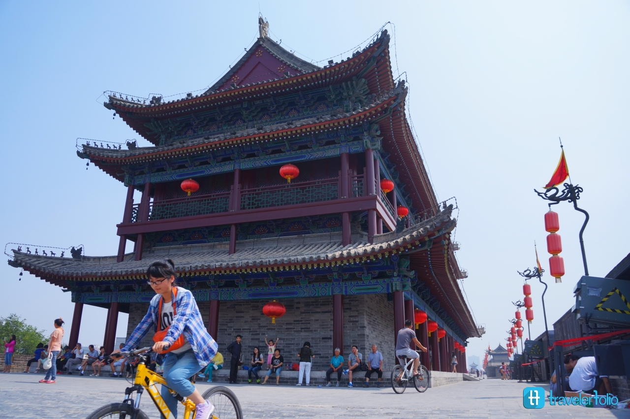 city-wall-xian-china-bicycle