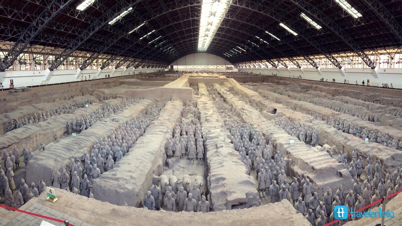 terra-cotta-army-xian-emperor-qin