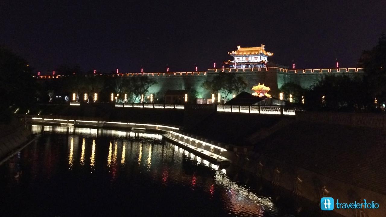 xian-night-city-wall
