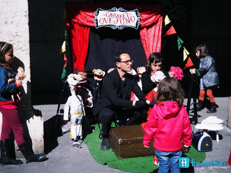 spanish-puppet-show