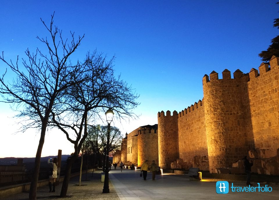 avila-city-walls-night-spain