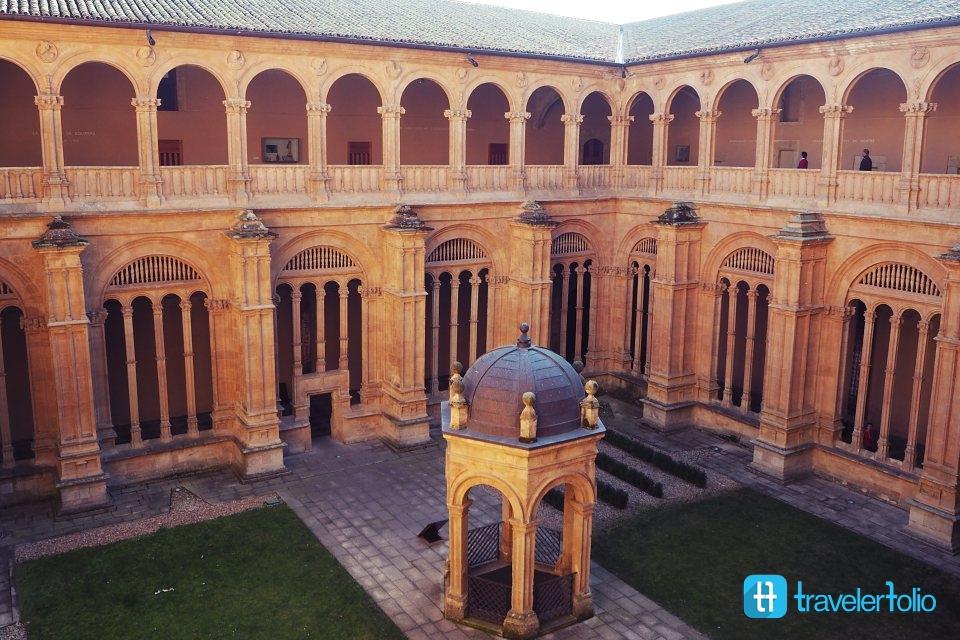 st-stephen-convent-courtyard-spain-salamanca