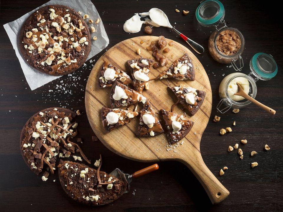 Chocolate-Hazelnut Pizza