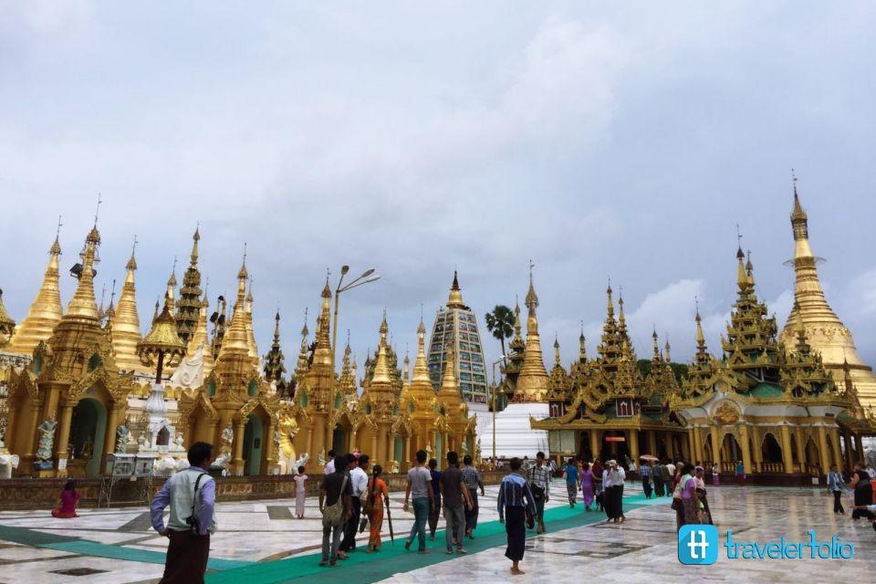 golden-pagodas-yangon-myanmar
