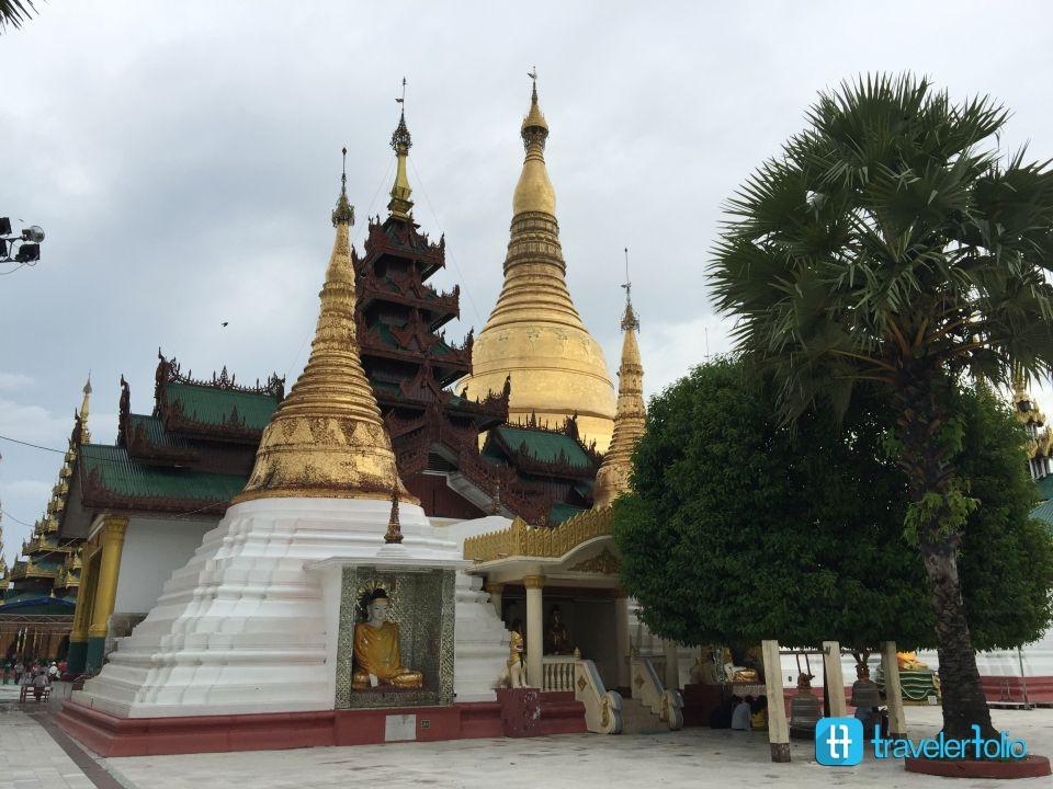 pagoda-monk
