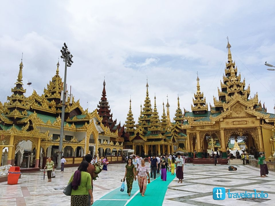 shwedagon-pagoda-golden-yangon