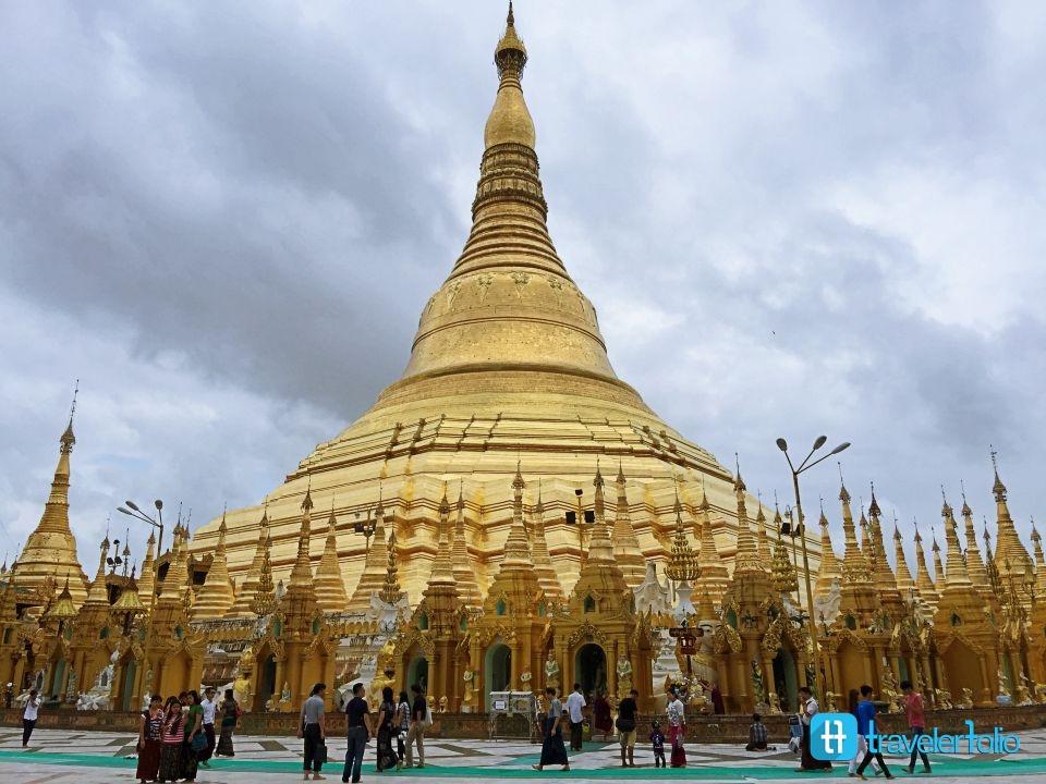 shwedagon-pagoda-holy-site-yangon