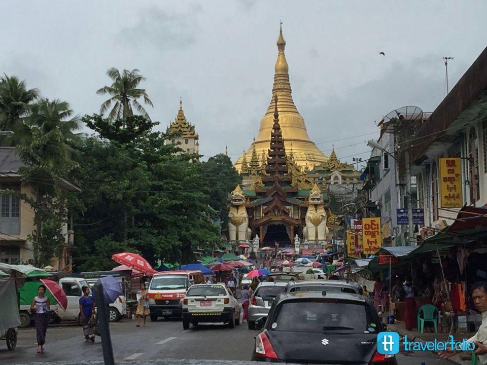 shwedagon-pagoda-street-view-yangon