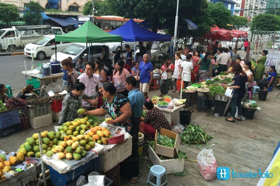 fruit-market-street-yangon