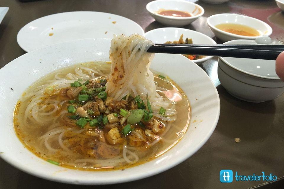 shan-noodle-yangon-burmese