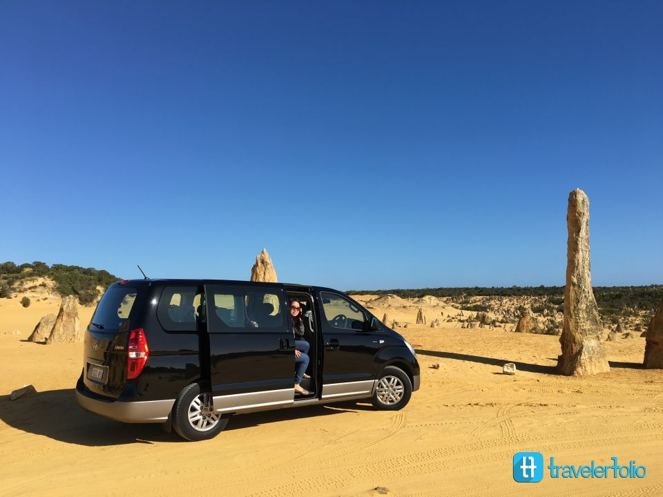 pinnacles-desert-hertz-car-hyundai-family
