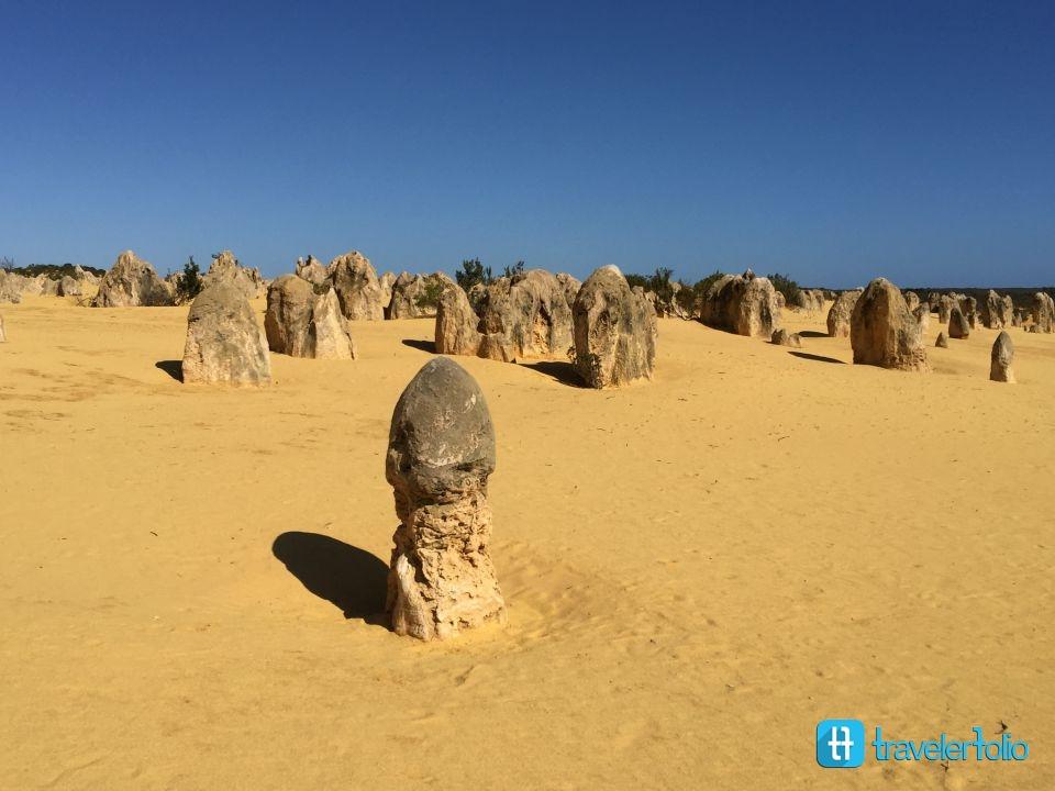 pinnacles-desert-pillar