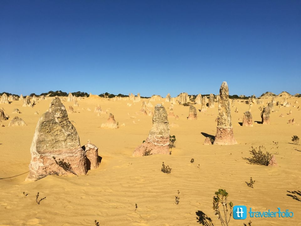pinnacles-desert-pink