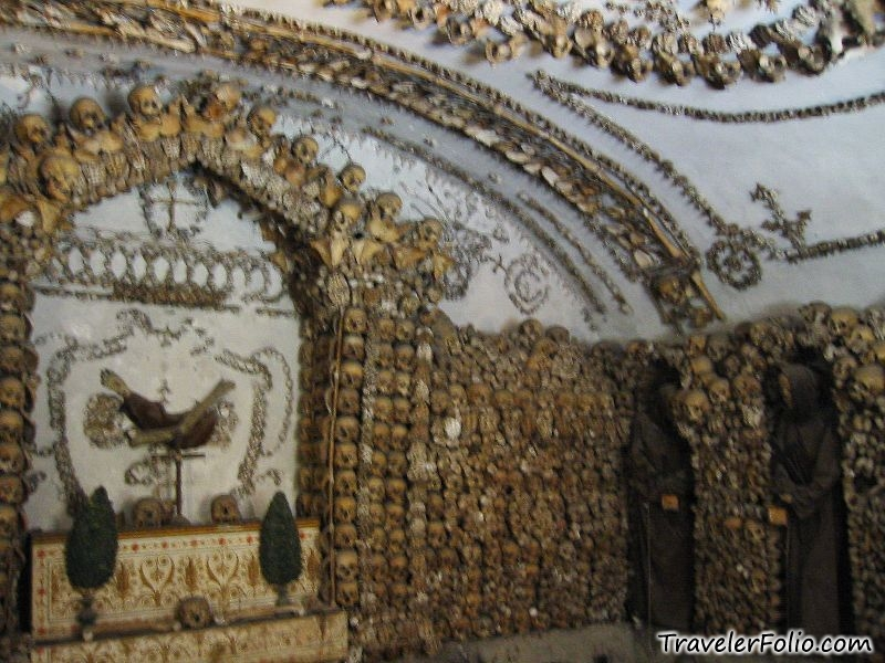 roman catacombs Origins of the catacombs the catacombs originated in rome between the end of the second and the beginning of the third centuries ad, under the papacy of pope zephyrin (199-217), who.